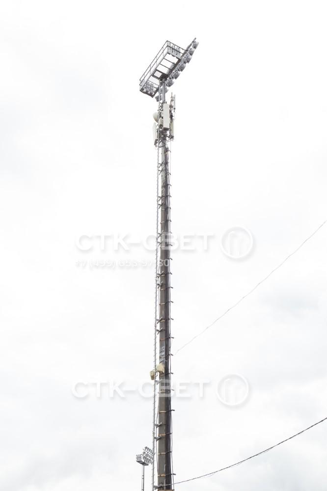 Несмотря на то, что мачта сделана из трубного проката, она имеет повышенную несущую способность. На нее можно устанавливать не только приборы освещения, но и дополнительное оборудование для радиосвязи и сотовых сетей.