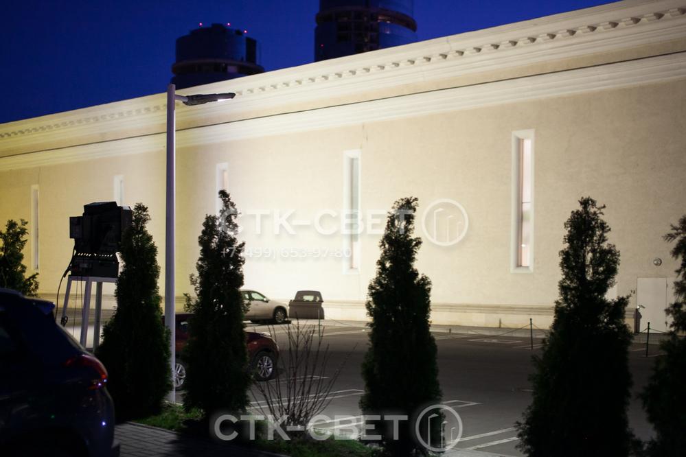 Осветительные опоры этого типа делаются из листовой стали. Используется тонкий лист, благодаря чему снижается материалоемкость и вес конструкции. Покупка опор типа НФК н е требует значительных затрат от порядной организации.