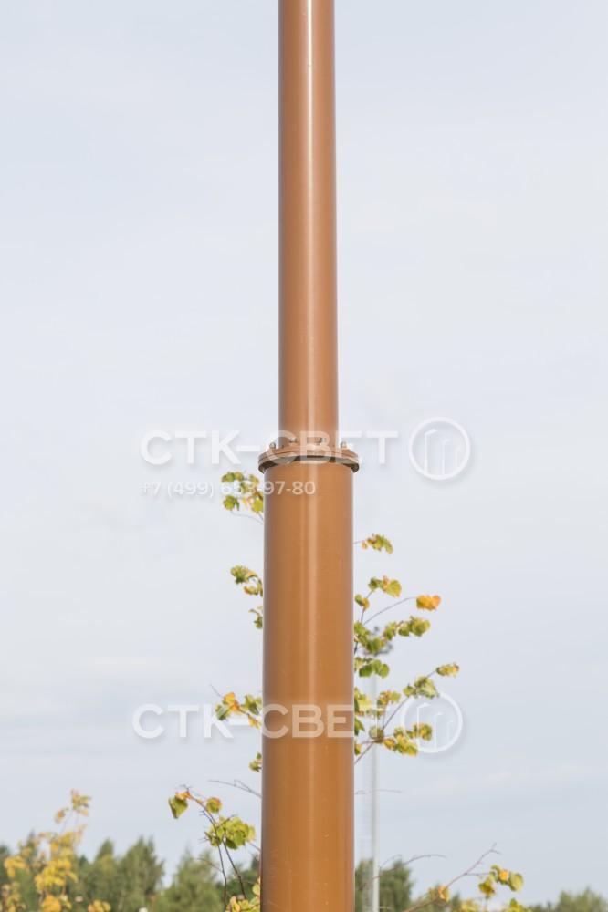 Стволы трубчатых опор сделаны сегментными, для их изготовления используются трубы разных диаметров. Они соединяются друг с другом с помощью сварки и не разбираются при транспортировке и установке.